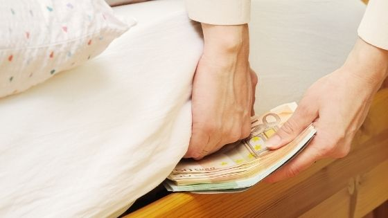 Donde guardar dinero en casa